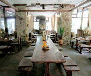 Классические стили в интерьере. Кафе в романском стиле.